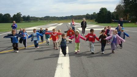 preschoolgrouprunwayf